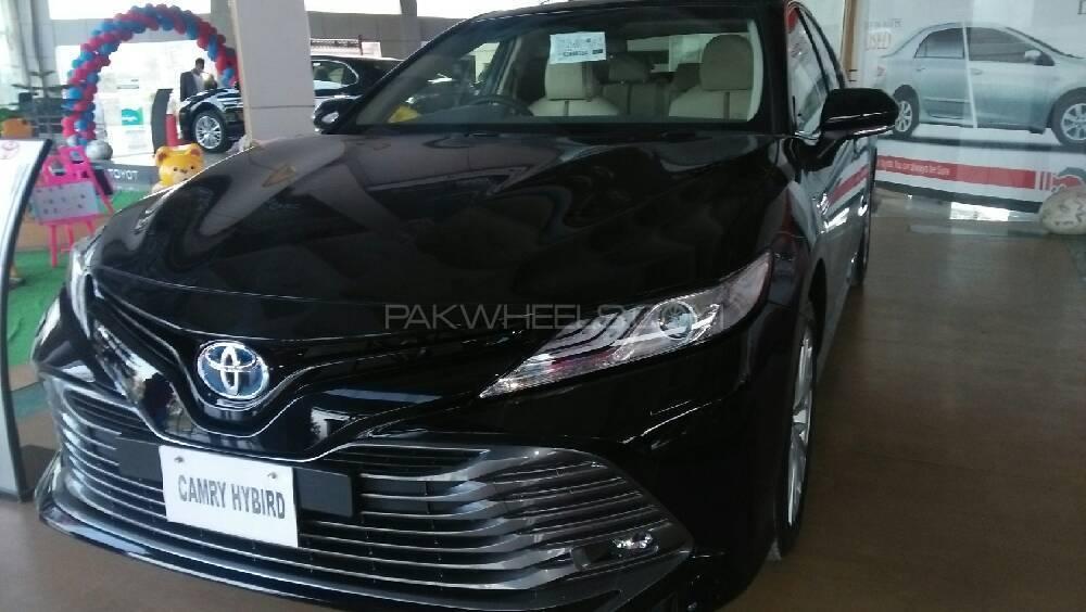 Toyota Camry High Grade 2018 Image-1