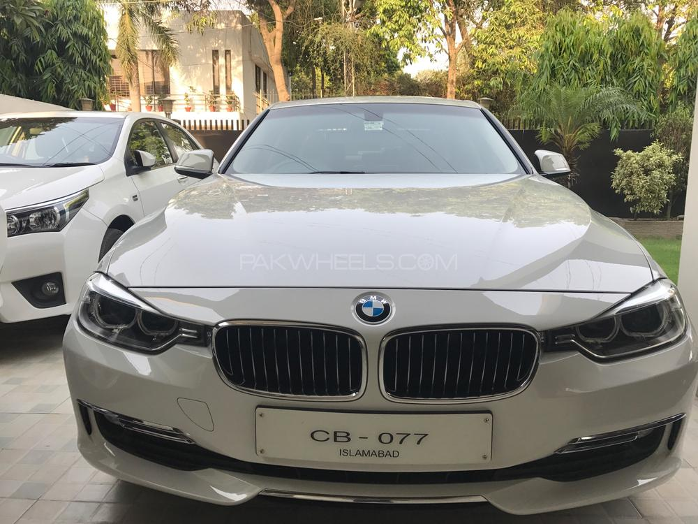 BMW 3 Series 2013 Image-1