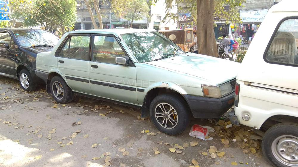 Toyota Corolla DX 1985 Image-1