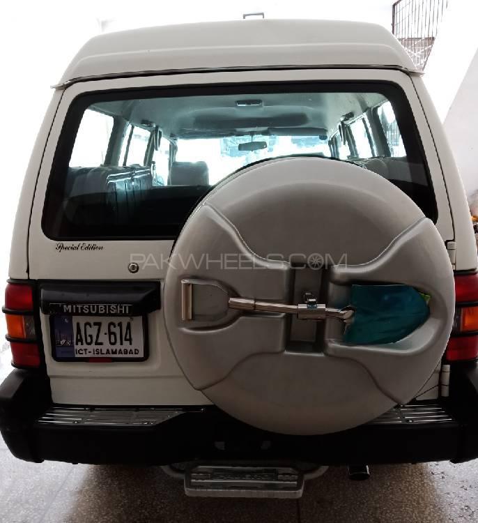 Mitsubishi Pajero 2000 Image-1