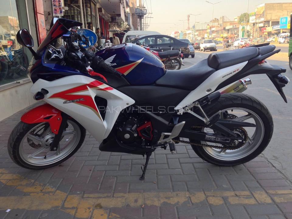 Honda CBR250 RR 2013 Image-1
