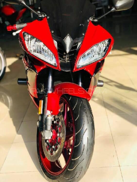 Yamaha YZF-R6 2011 Image-1