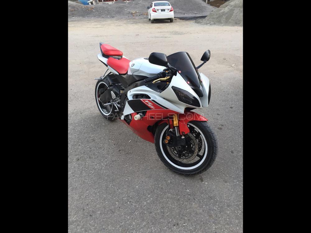 Yamaha YZF-R6 2008 Image-1