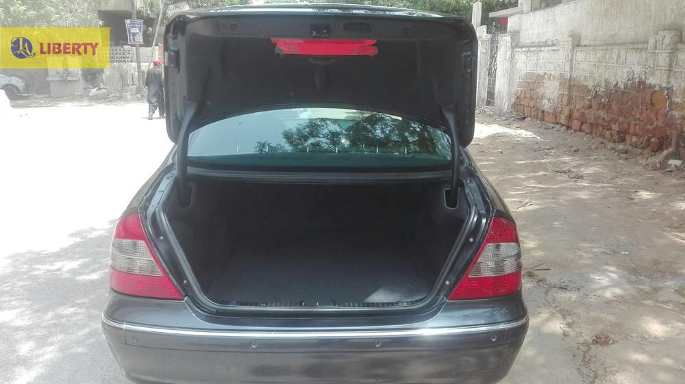 2004  E 200  FACELIFT  VERY  GOOD CONDITION