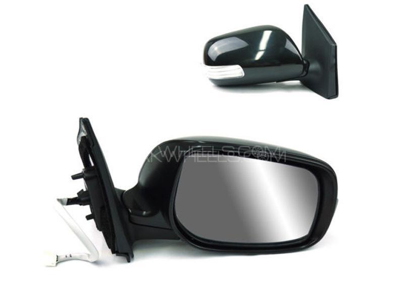 Toyota Vitz 2008 Side Mirror With Light RH Image-1