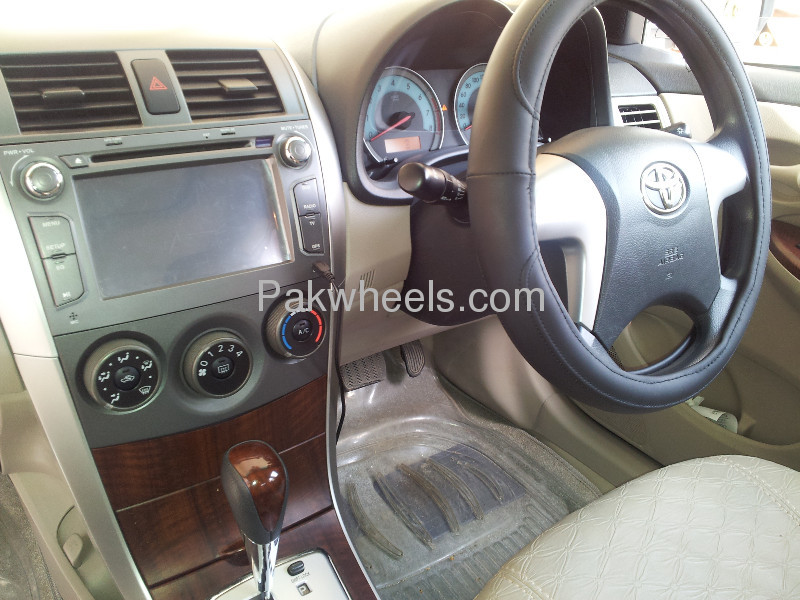 Toyota Corolla Altis SR Cruisetronic 1.6 2012 Image-3