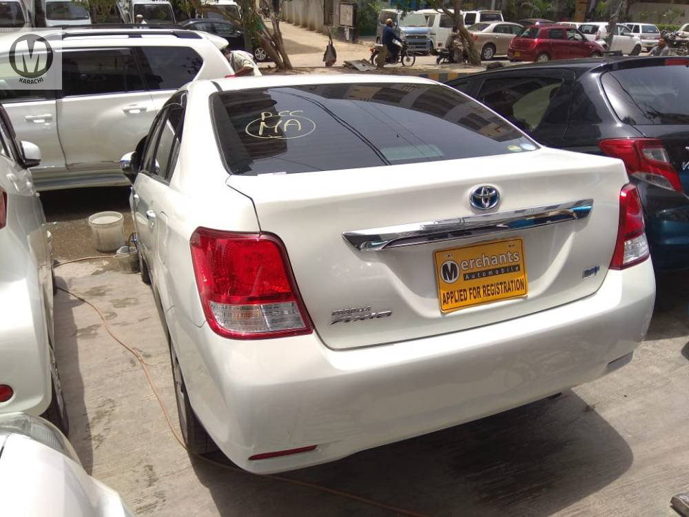 Toyota Corolla Axio G 