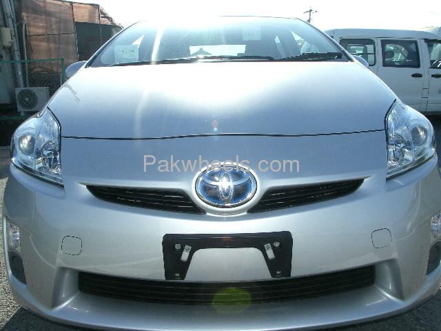 Toyota Prius L 1.8 2010 Image-2