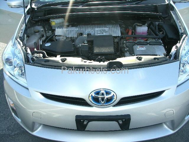 Toyota Prius L 1.8 2010 Image-8