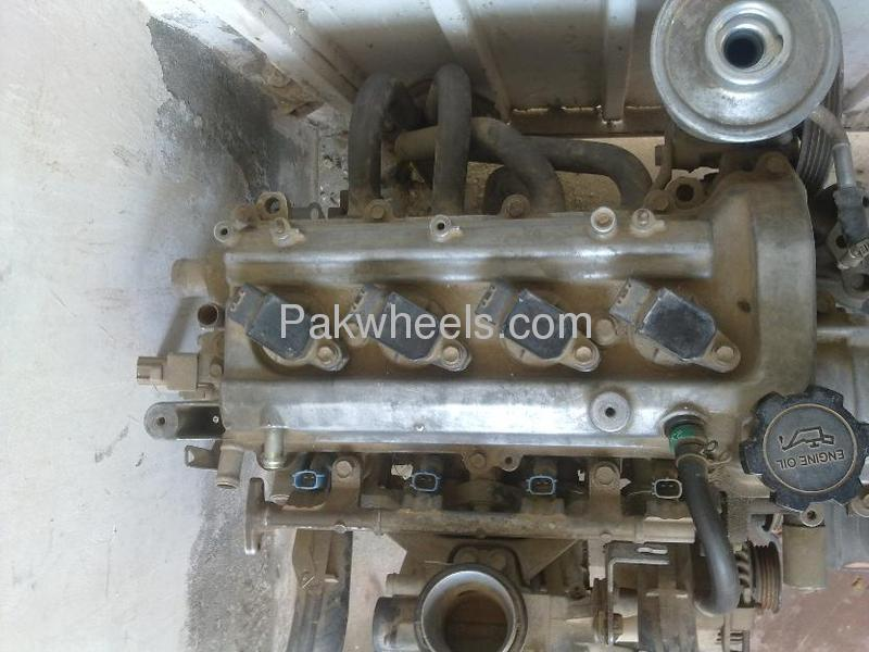 toyota vitz 2002 model engine for sale for sale in lahore car accessory 809773 pakwheels. Black Bedroom Furniture Sets. Home Design Ideas