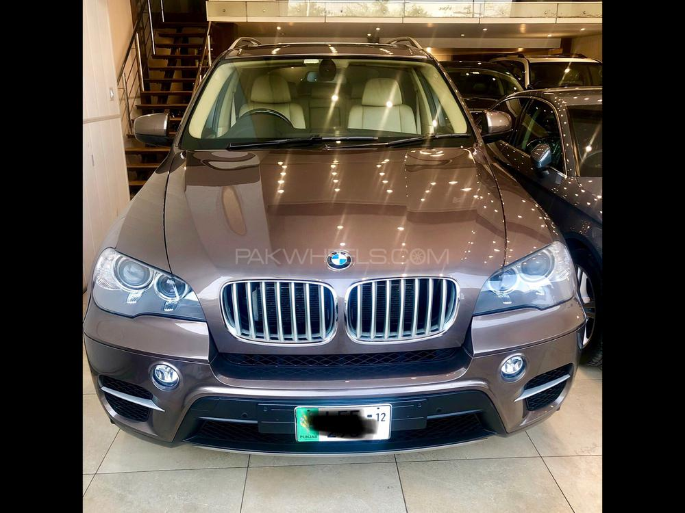 BMW X5 Series xDrive50i 2012 Image-1