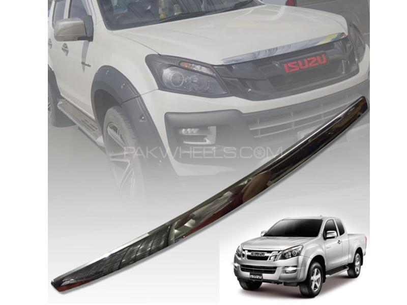 Isuzu D-Max Hood Chrome Trim  in Lahore