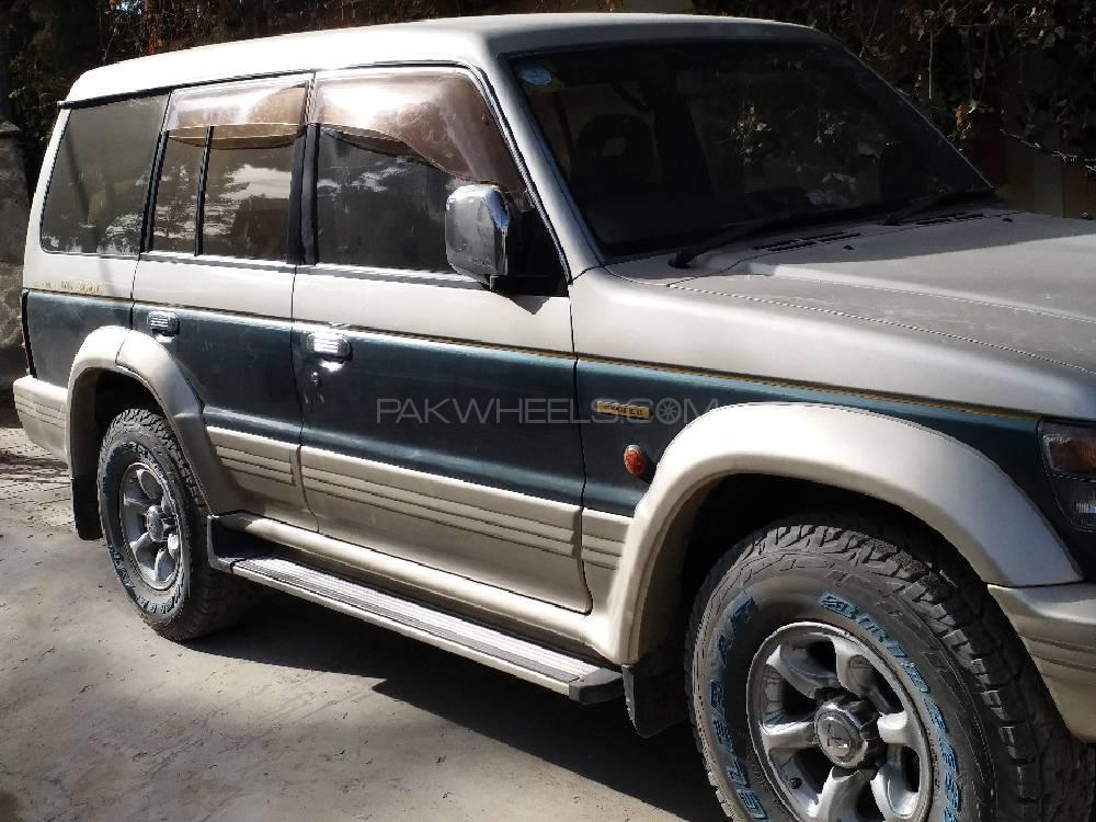 Mitsubishi Pajero Exceed 35 1998