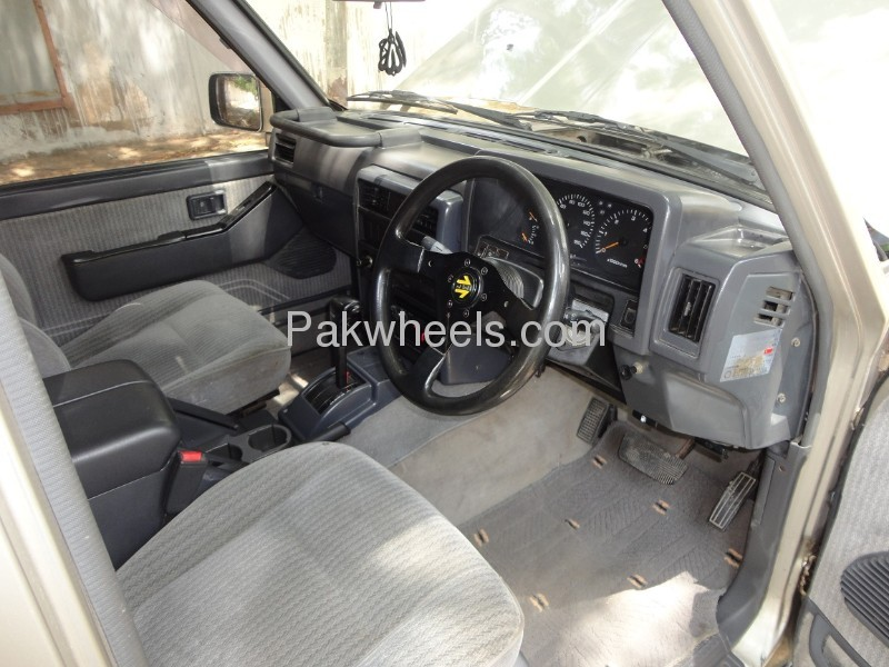 Nissan Safari 1994 Image-8