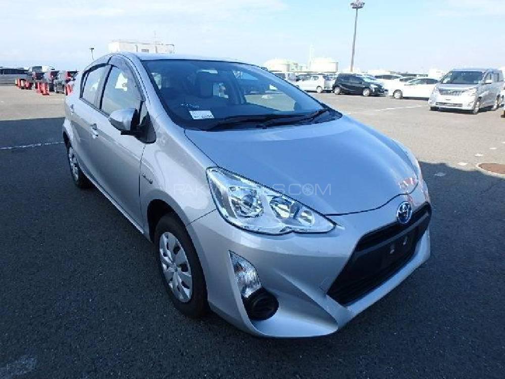 Toyota Aqua L 2016 Image-1