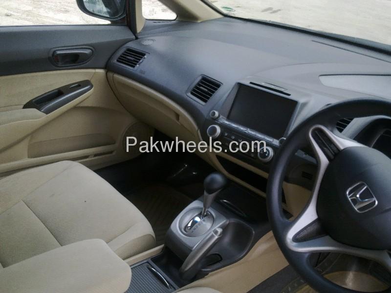 Honda Civic VTi Prosmatec 1.8 i-VTEC 2010 Image-5