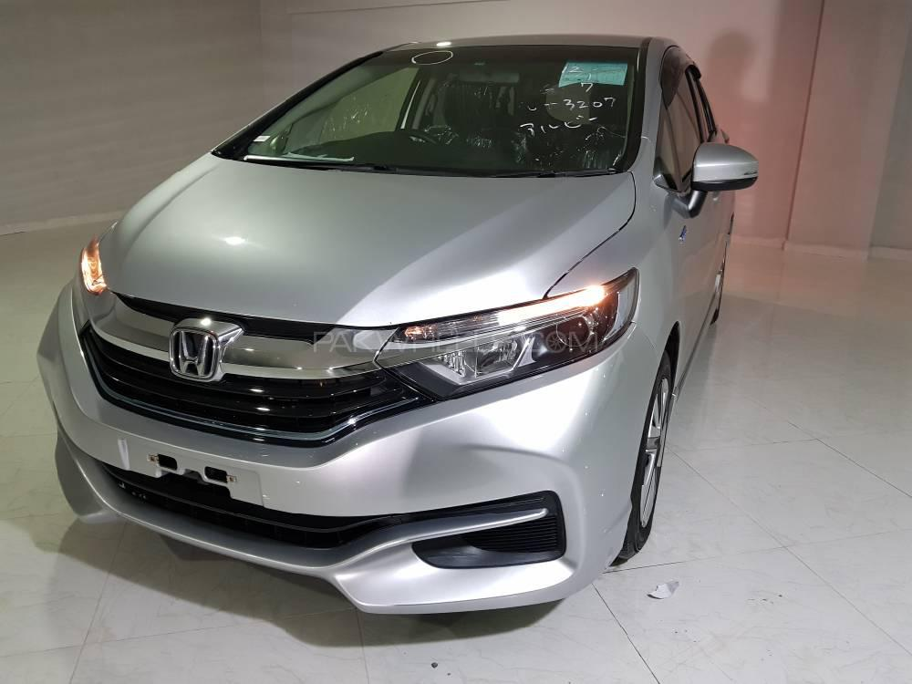 Honda Fit Shuttle Hybrid 2016 Image-1