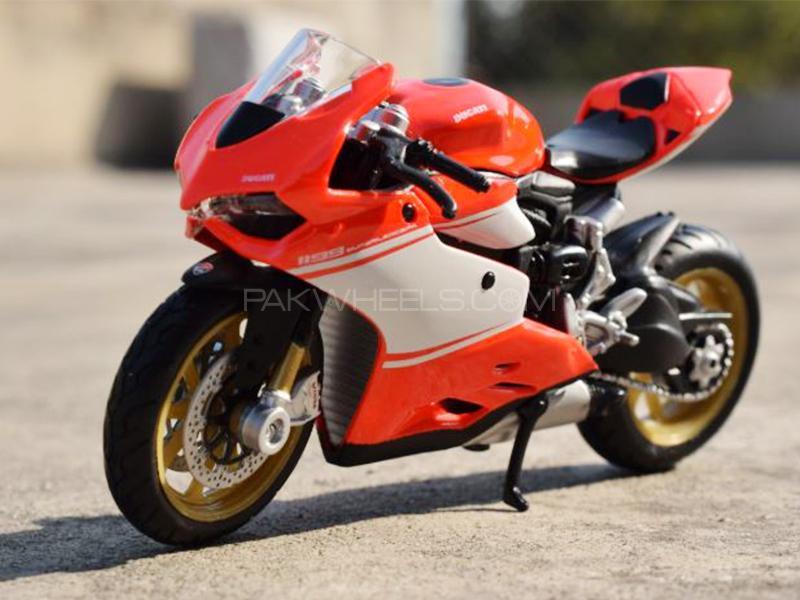 Maisto Die Cast Ducatti 1199 Superleggera Image-1