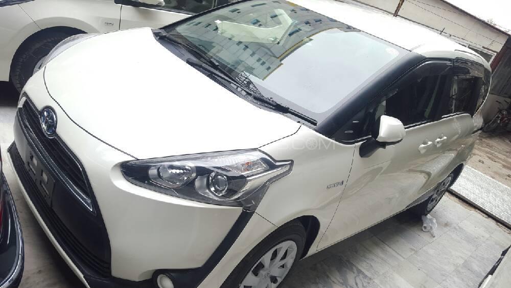 Toyota Sienta X 2015 Image-1