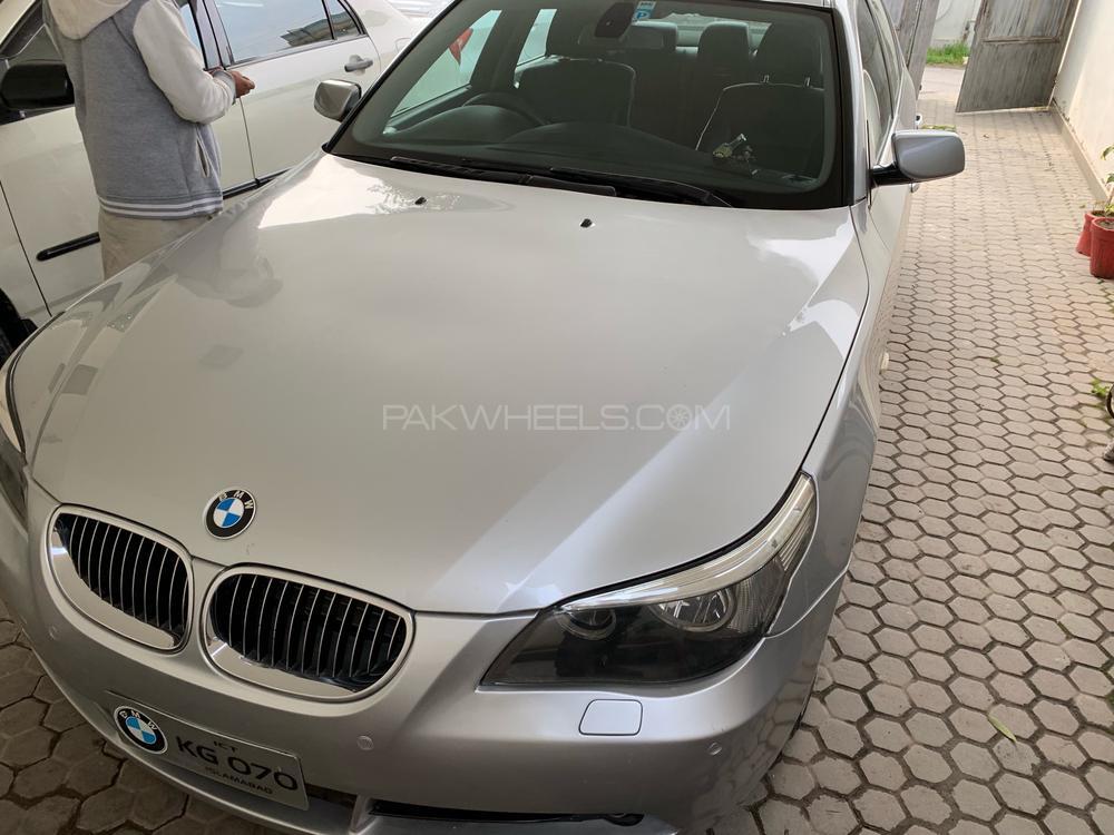BMW 5 Series 530d 2003 Image-1