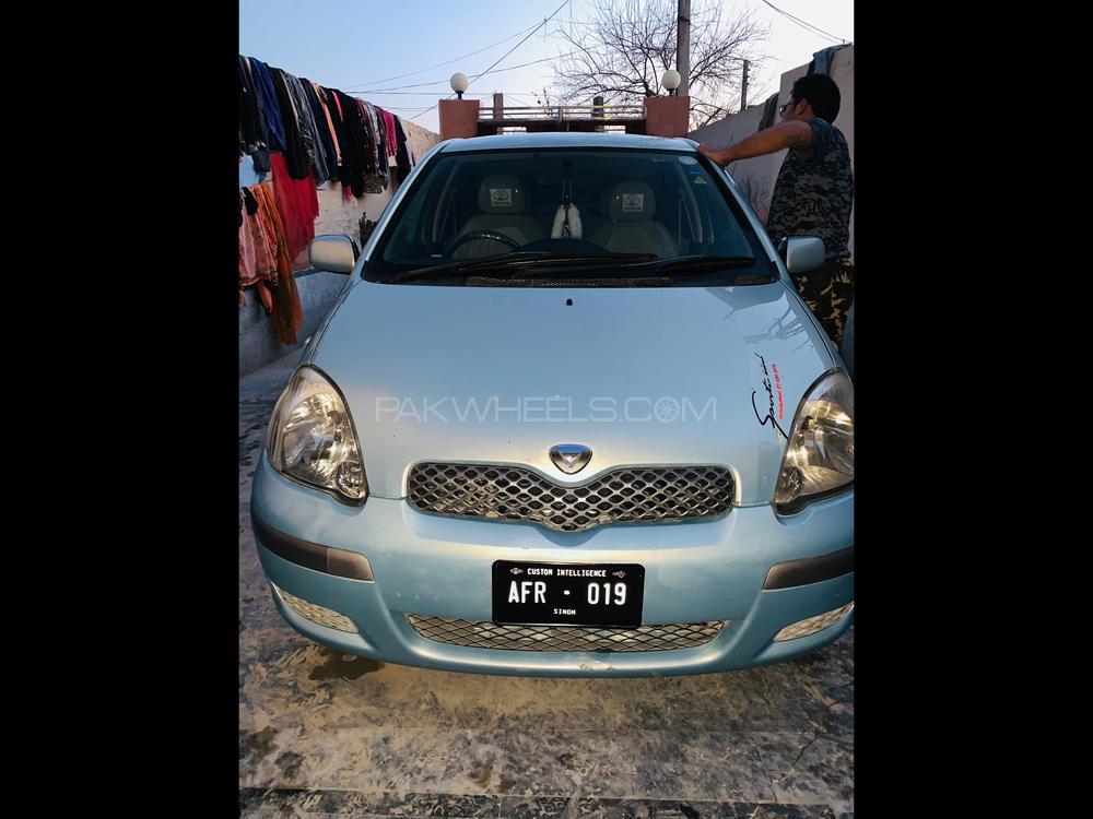 Toyota Vitz F 1.3 2004 Image-1