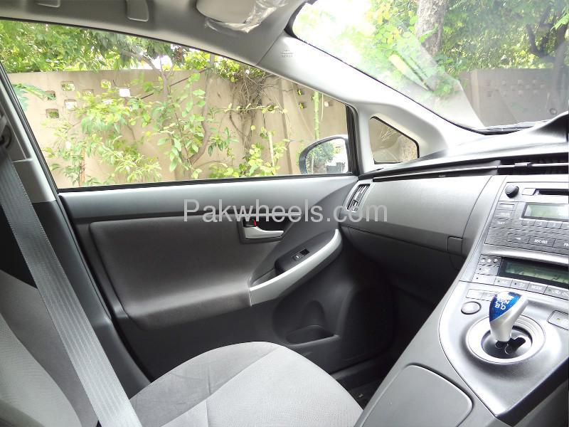 Toyota Prius S 1.8 2010 Image-6