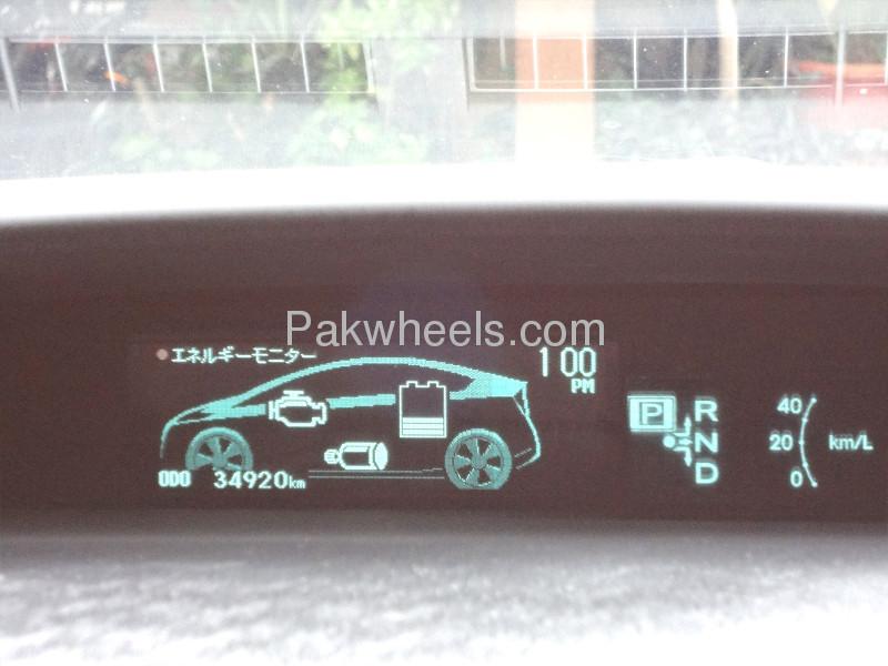 Toyota Prius S 1.8 2010 Image-9