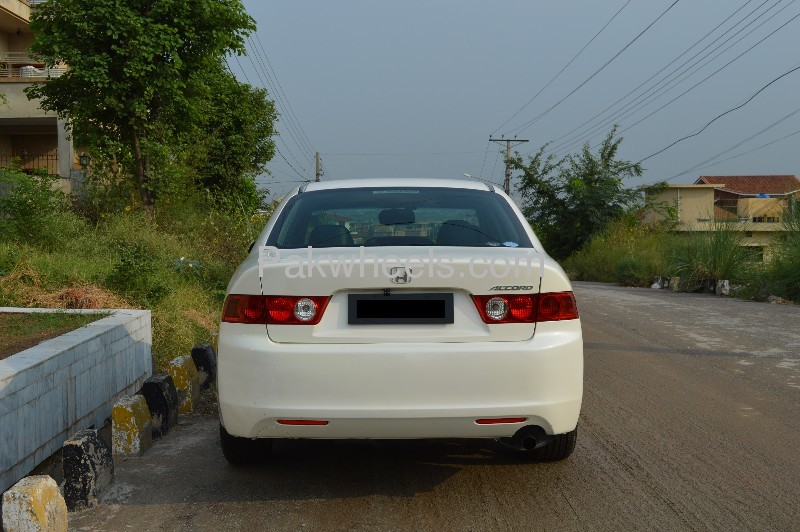 Honda Accord CL7 2004 Image-3