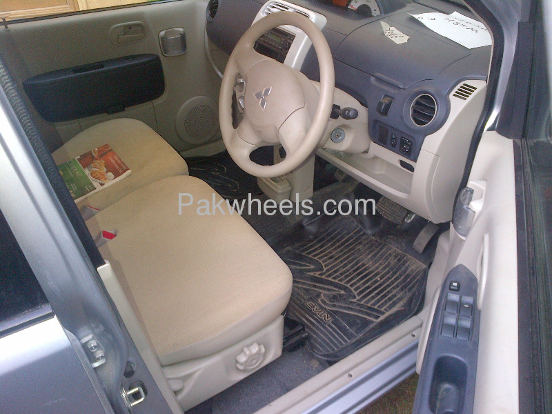 Mitsubishi Ek Wagon G 2010 Image-2