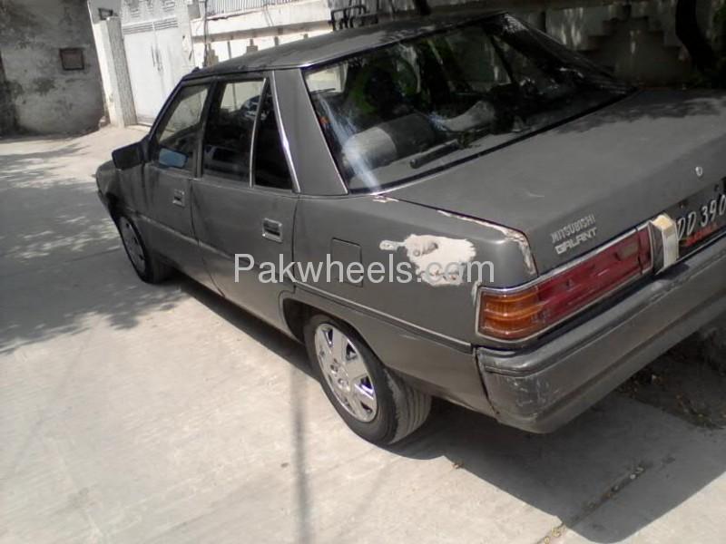Mitsubishi Galant 1988 Image-2