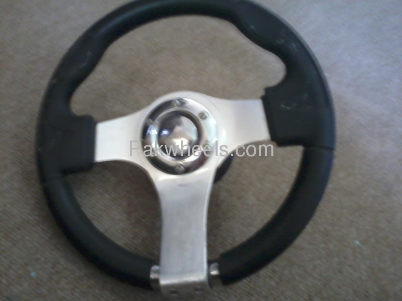 Sports steering for sale Image-1