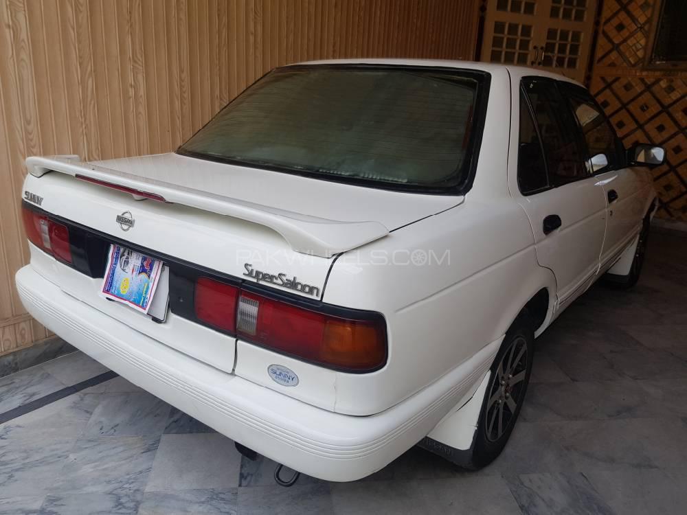 Nissan Sunny Super Saloon 1.6 1990 Image-1