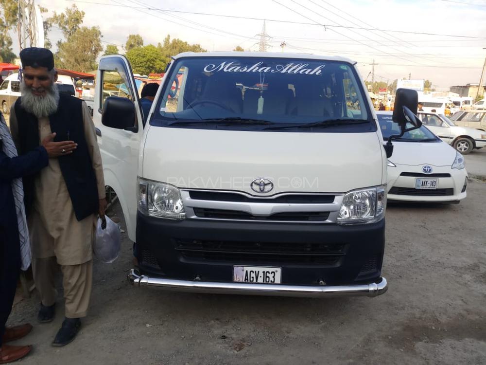 Toyota Hiace 2013 Image-1