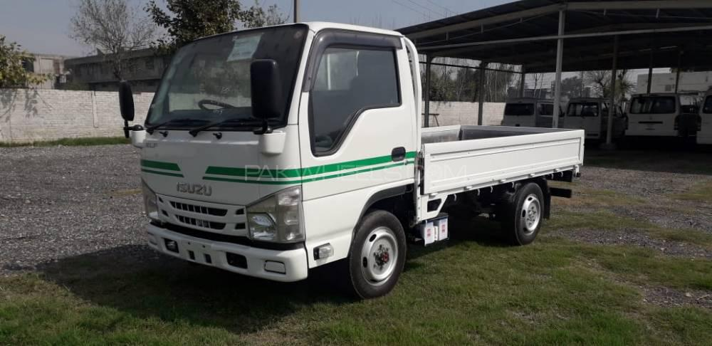 Isuzu Other 2013 Image-1