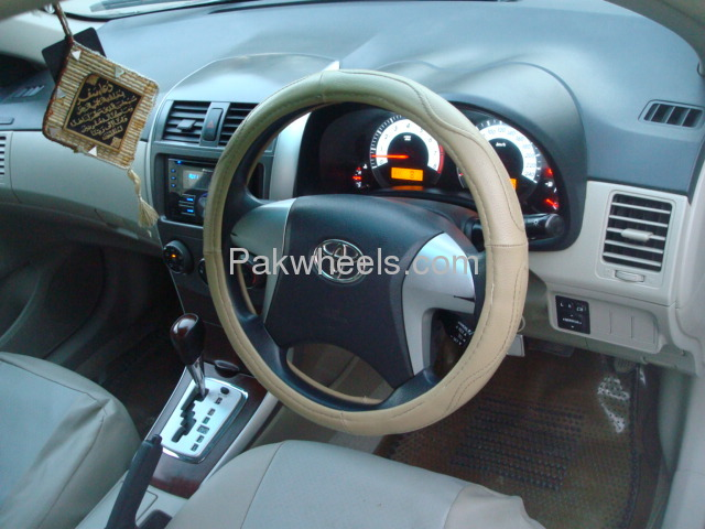 Toyota Corolla Altis SR Cruisetronic 1.6 2012 Image-8