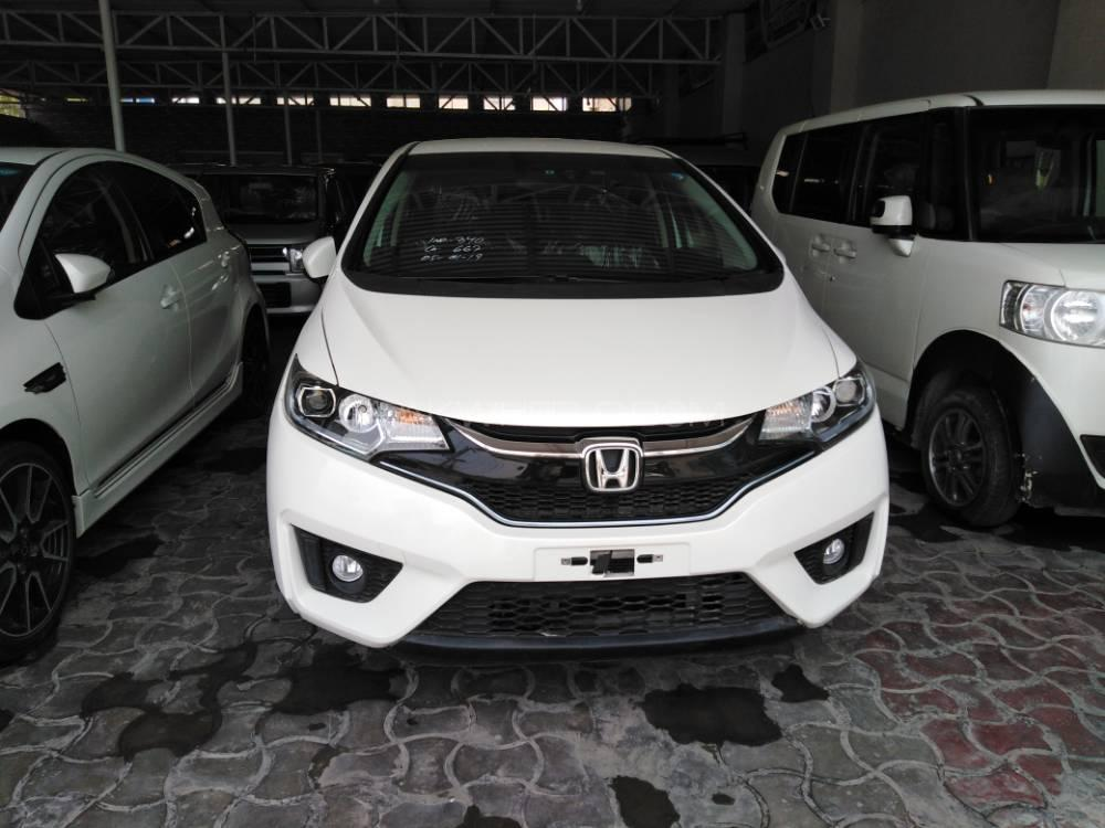 Honda Fit 1.5 Hybrid S Package 2015 Image-1