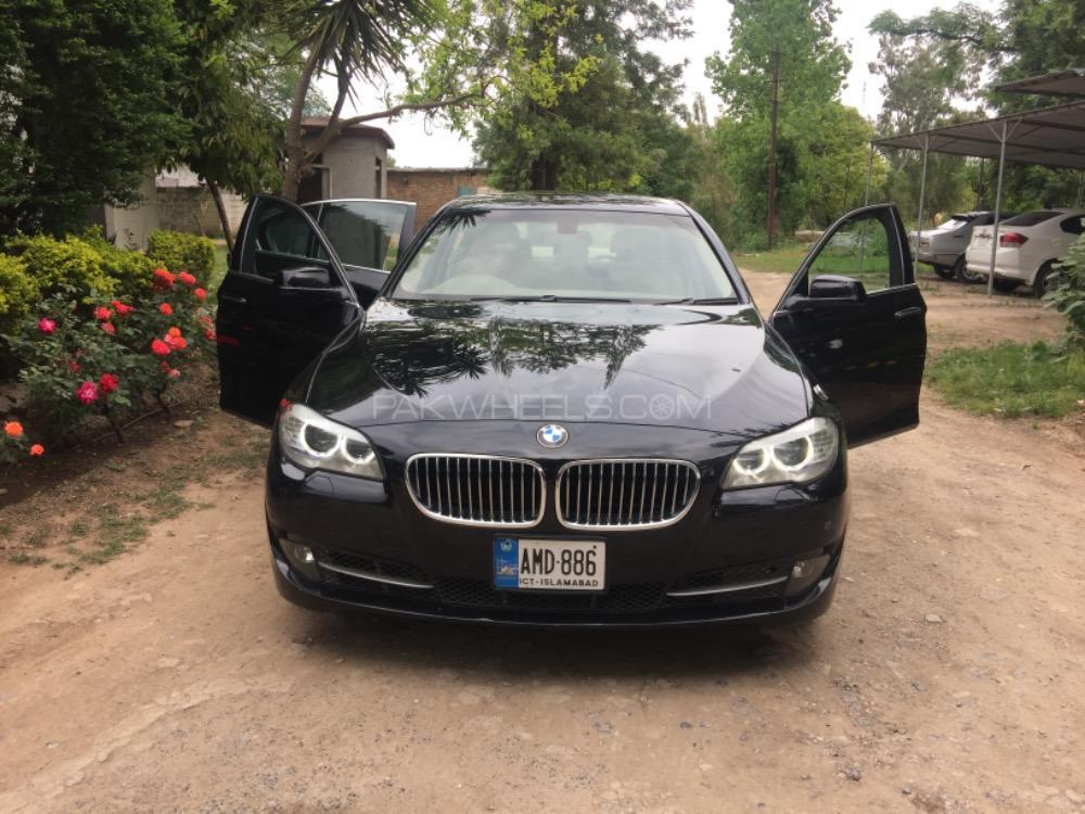 BMW 5 Series 520i 2013 Image-1
