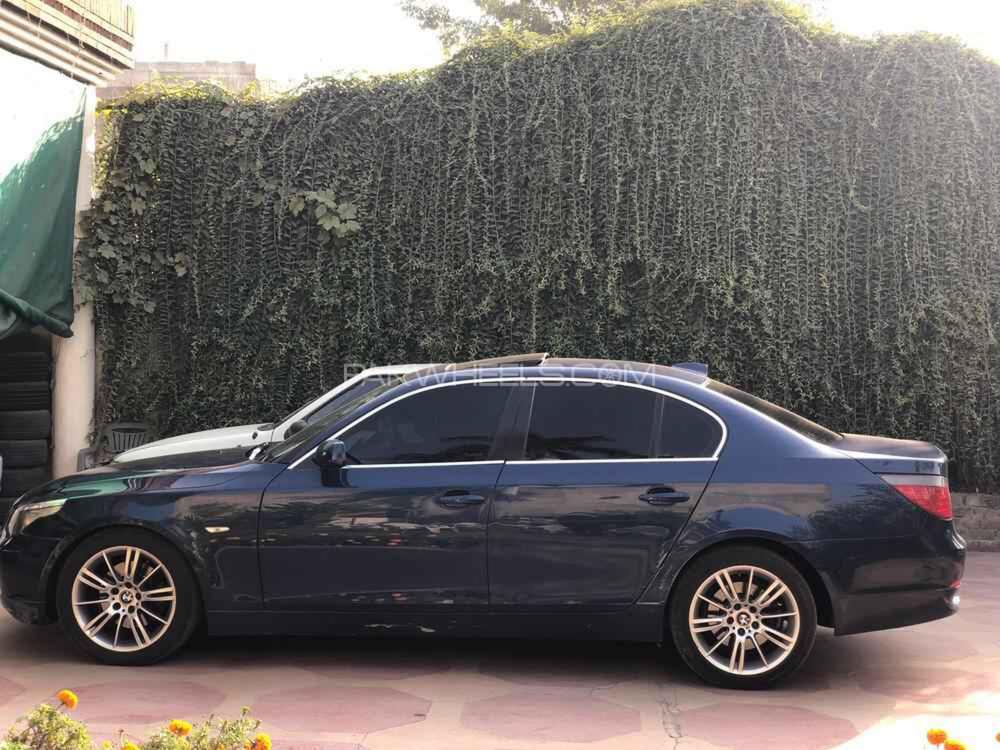 BMW 5 Series 530i 2003 Image-1