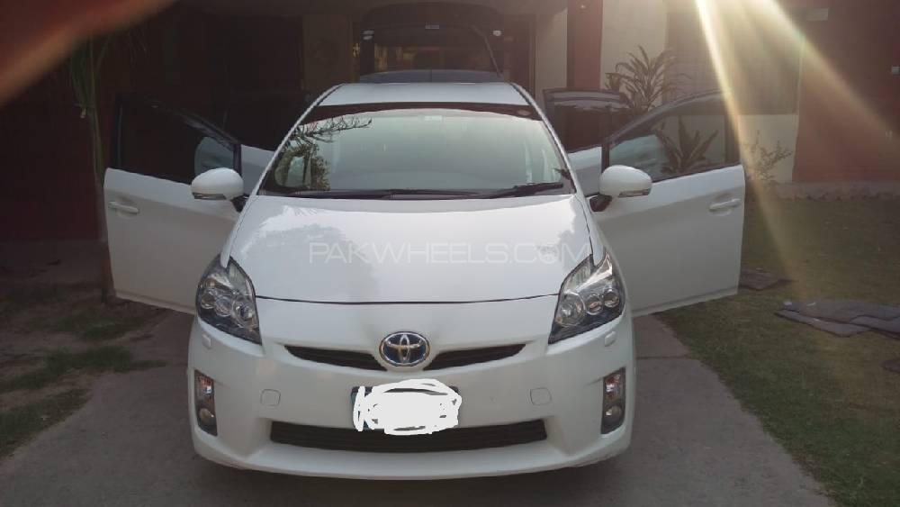 Toyota Prius S Touring Selection 1.8 2011 Image-1