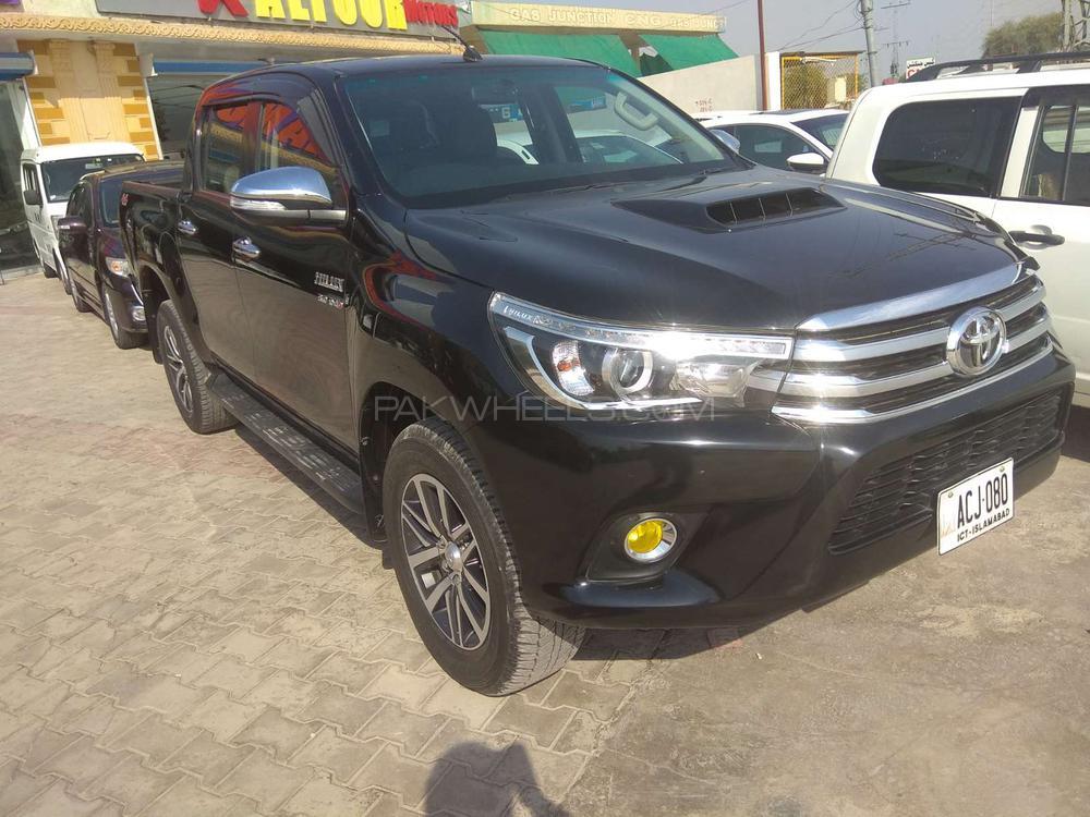 Toyota Hilux Revo V Automatic 3.0  2016 Image-1