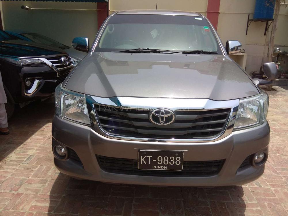 Toyota Hilux D-4D 2015 Image-1