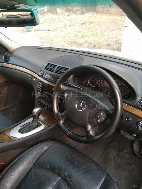 Mercedes Benz E Class E270 CDI 2005 Image-1