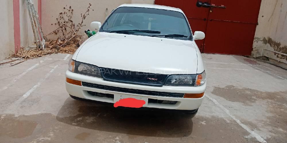 Toyota Corolla XE 2001 Image-1