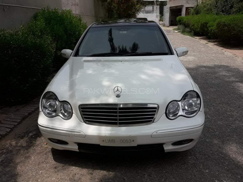 Mercedes Benz C Class 2004 Image-1