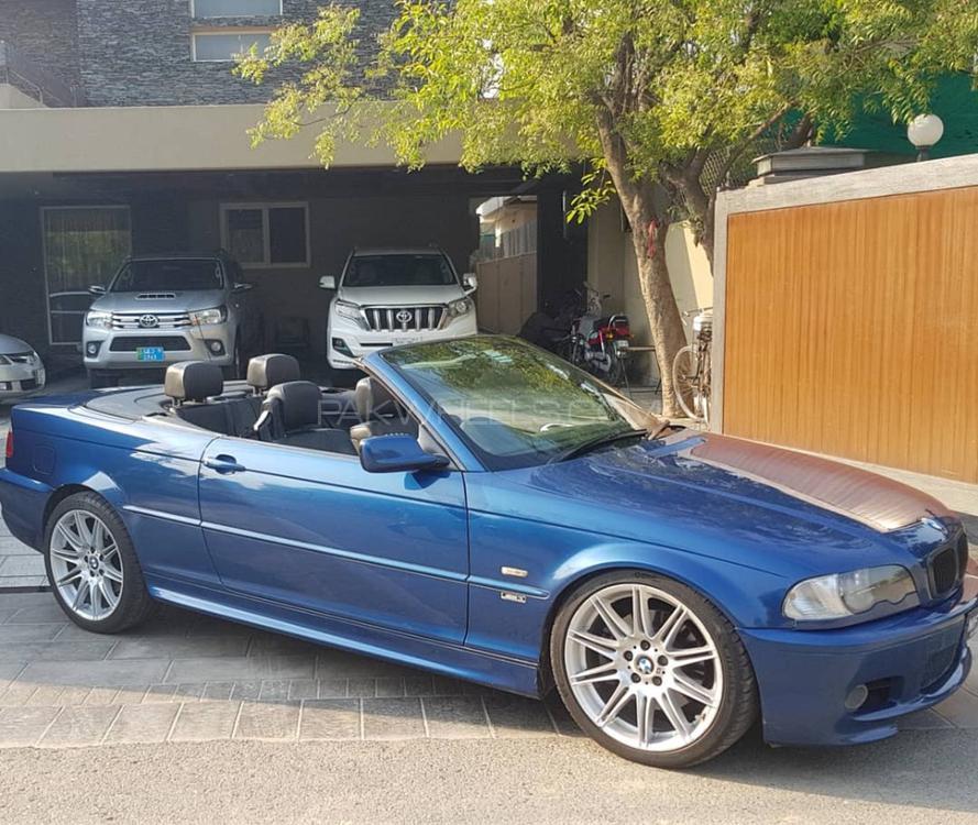 BMW 3 Series 330i 2002 Image-1