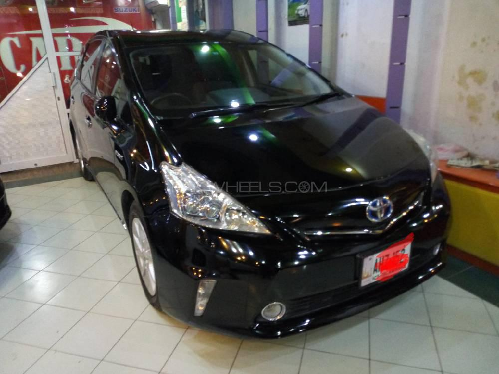 Toyota Prius Alpha S L Selection 2012 Image-1