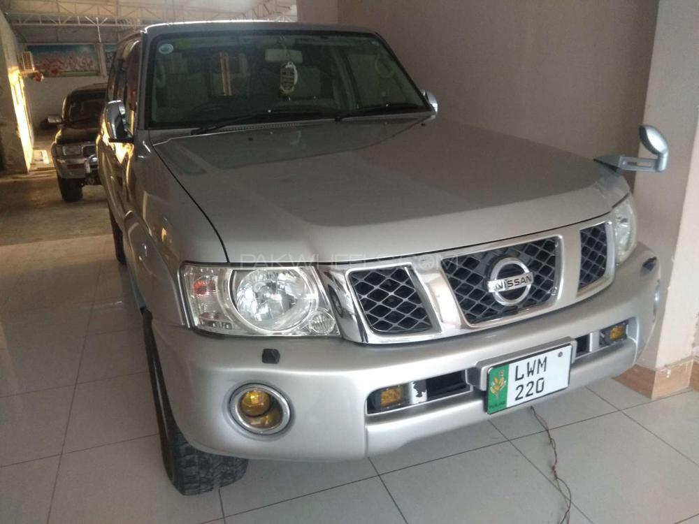 Nissan Patrol 4.8 GRX Automatic 2004 Image-1
