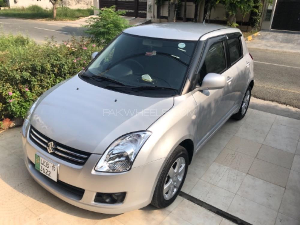 Suzuki Swift DLX 1.3 Navigation  2018 Image-1