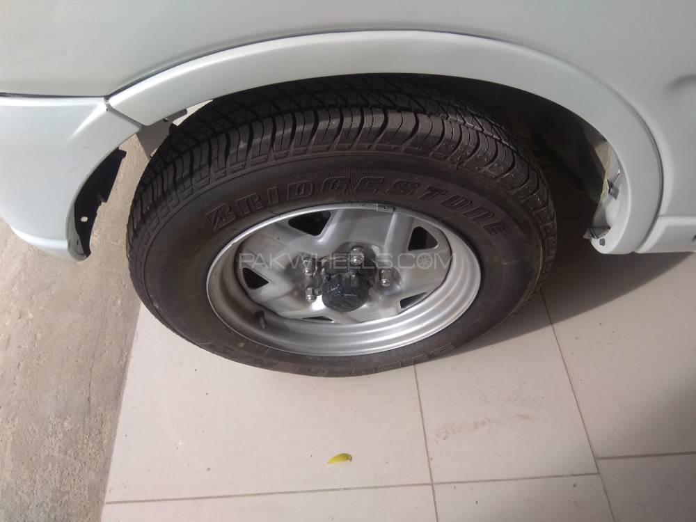 Suzuki Jimny Sierra BASEGRADE 2015 Image-1
