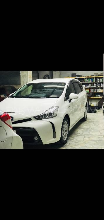 Toyota Prius Alpha G 2015 Image-1